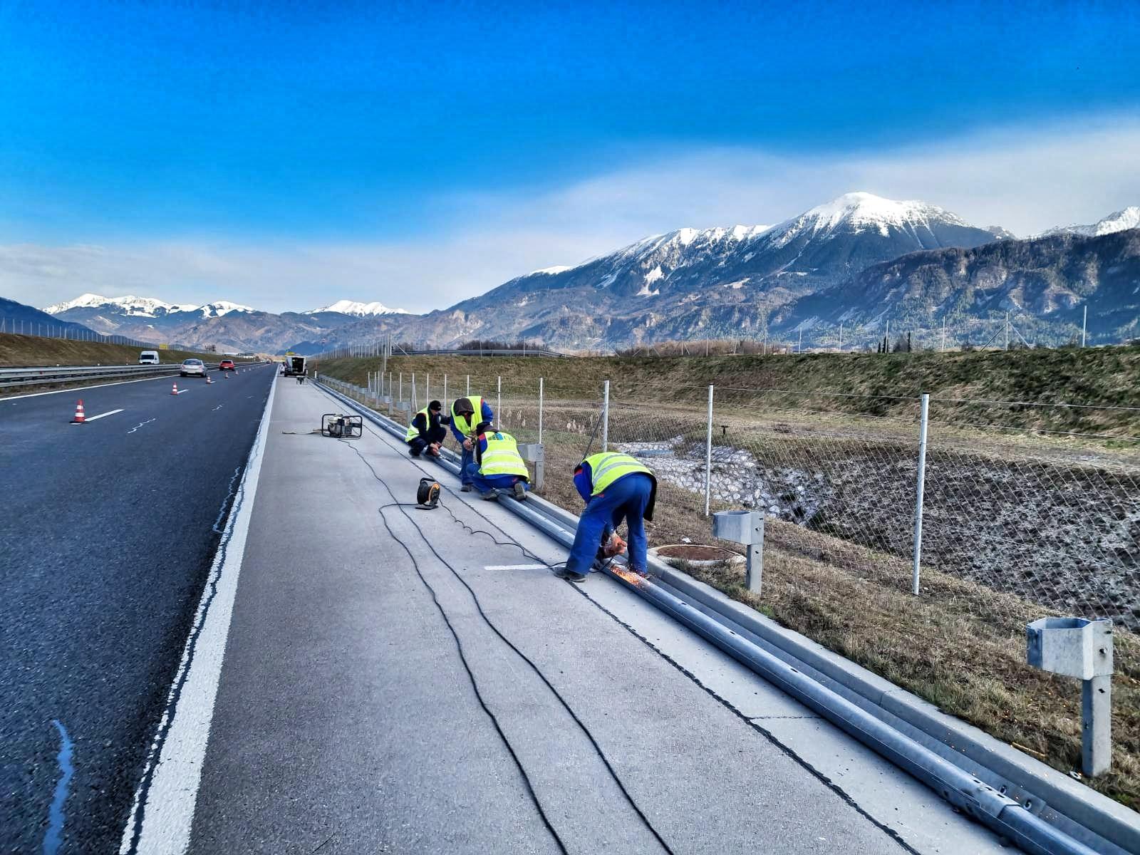 Zamenjava varnostih ograj na gorenjski avtocesti A2